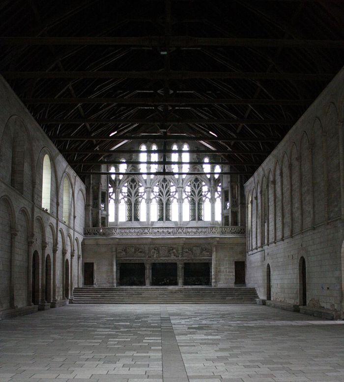 800px-Poitiers_Palais_Justice_Salle_pas_perdus(4)