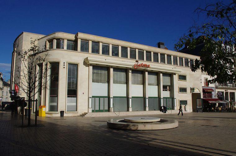Ancien-théâtre-municipal-de-Poitiers-décembre-2013