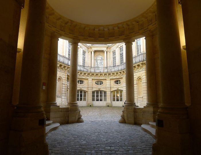 P1060361_Paris_IV_hôtel_de_Beauvais_rwk