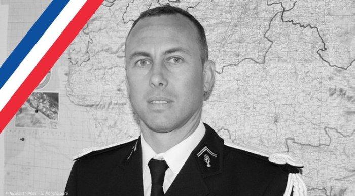le-lieutenant-colonel-arnaud-beltrame-mort-en-heros-le-23-mars_article